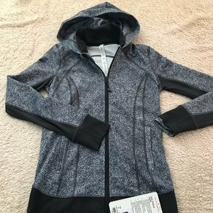 Lululemon Jacket Sz 6 BRAND NEW WITH TAGS!